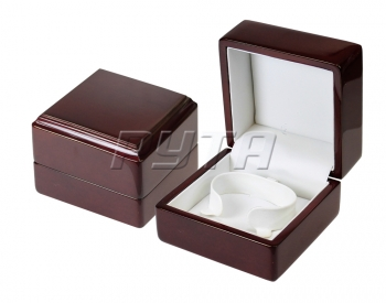 00306 Wooden box,  Exclusive collection