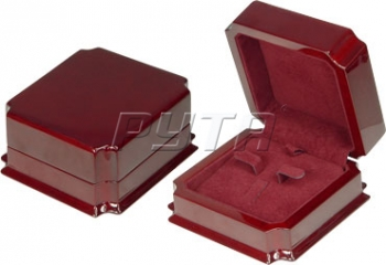 08207 Wooden box,  Exclusive collection