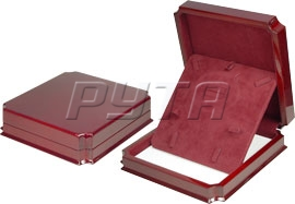 08909 Wooden box,  Exclusive collection