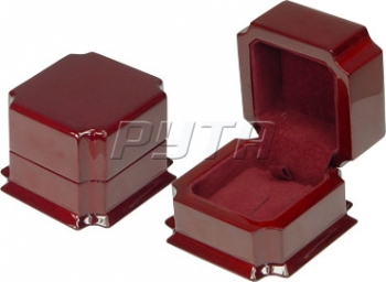 08120 Wooden box,  Exclusive collection