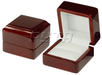 00101 Wooden box,  Exclusive collection