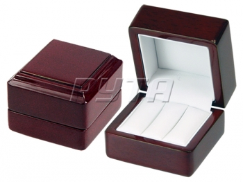 00102 Wooden box,  Exclusive collection