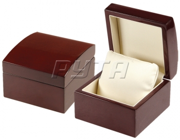 04725 Wooden box,  Exclusive collection